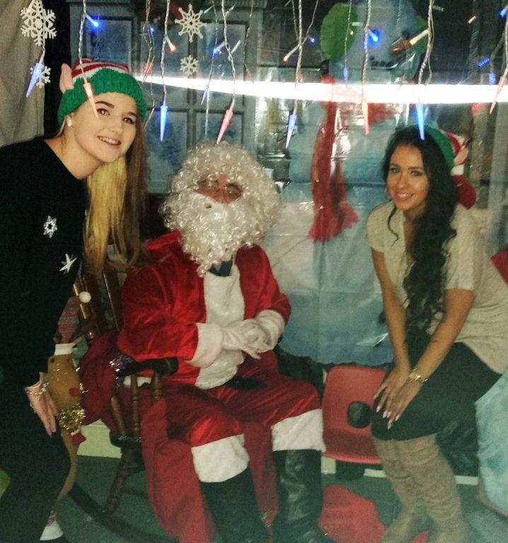 christmas-bazaar-elves-pic1
